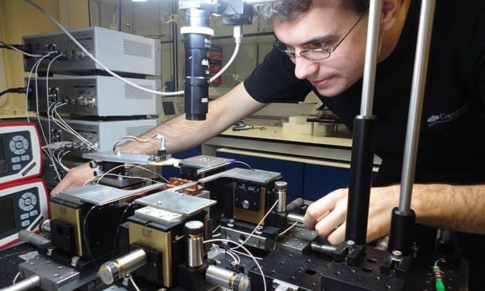 Damien-Bonneau-Quantum-Computing-Chips