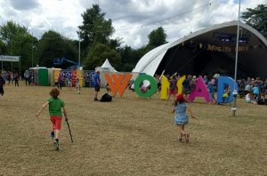 womad-app-people-finder-wrist-bands-run-away